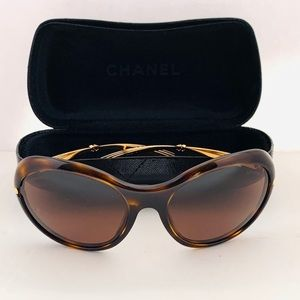 Chanel Oval Tortoise Sunglasses Brn Good condition